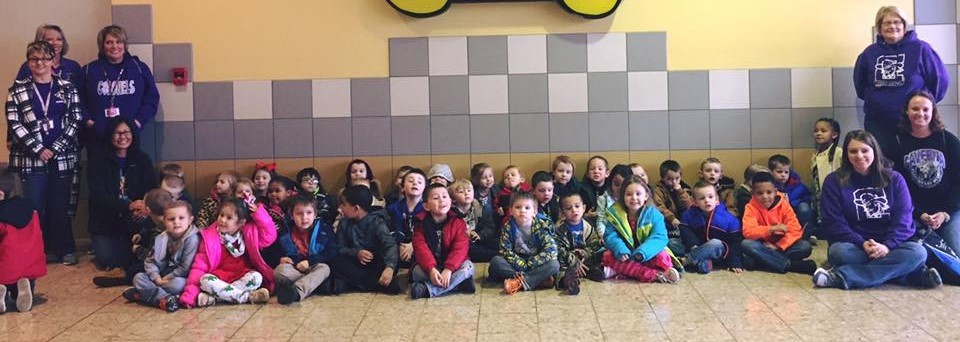 Preschool students went to visit Santa...and eat pizza and have fun playing!